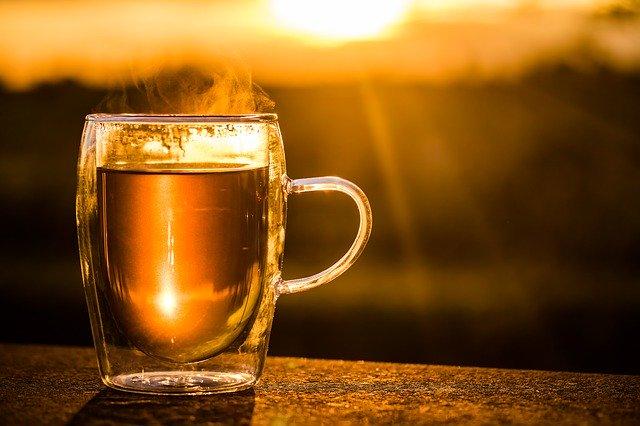 čaj ve skle, západ slunce